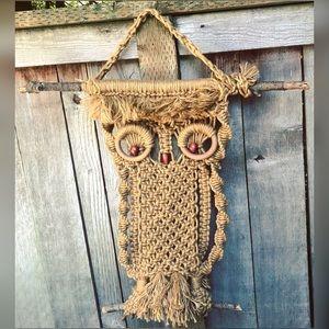 Great, large, macrame, owl, wall hanging!!